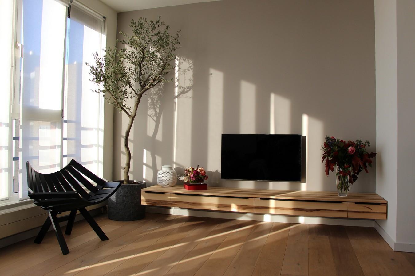 Jan meeuwissen tv meubel en buro